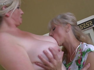 Duo old and young lesbians having special party