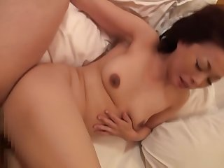 Takeuchi Reiko, hot mature Japanese babe enjoys sex toys