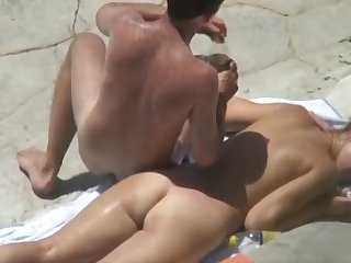 Fremde Frau vonscout-18 . comspontan am Strand gefickt