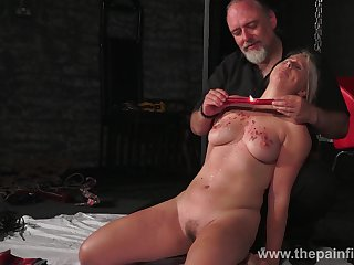 Kinky dude ties up and punishes seductive broad in the beam blondie Masie Dee