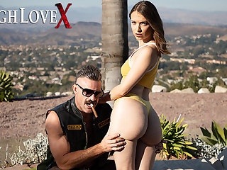 TOUGHLOVEX Casting big booty beauty Izzy Lush