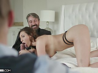 Babe wants to be watched during sex and her cuckold lover is eager to please