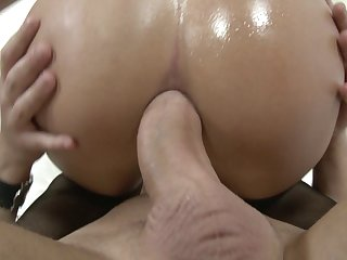 Sweet girlfriend Bianca often wanted to try butt penetretion