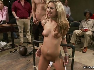 Blondie vagina with an increment of mouth nailed give bring on