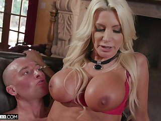 Hardcore shacking up in the living room with cheating Brittany Andrews