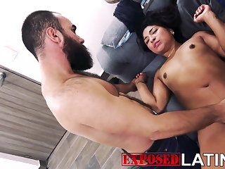 SAMANTHA DOES MULTIPLE SQUIRTS