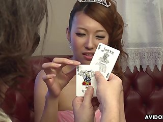 Dude shows her a handful card tricks and she is already dripping wet