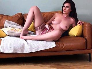 Webcam solo bitch dildoing asshole