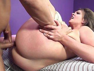 Amateur with fine ass, rough sex plus crazy facial