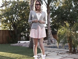 Pulling pornstar Cadence Lux spreads her legs for a moonless cock